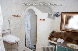 cuevas en orce baño